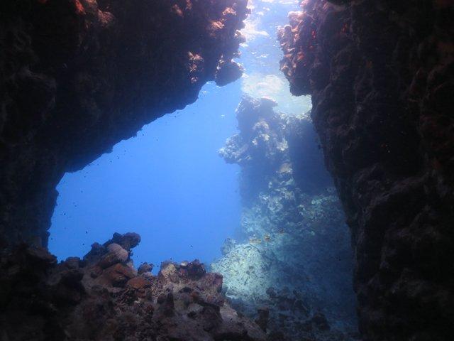 В одной из этих пещер я висела под потолком, потеряв грузы
